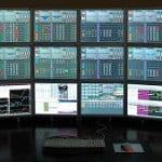 Simple sistema de seguimiento de tendencia basado en el MACD y una EMA de 20 periodos